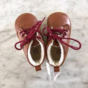 GAP Shoes - toddler shoes 12-18 months NWT